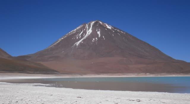 Geografía Pregunta Trivia: ¿Cómo se llama el volcán que está en la frontera entre Bolivia y Chile?