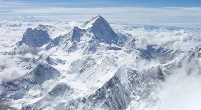 History Trivia Question: How many people died in an avalanche whilst the shooting of the film 'Everest' was being carried out, which is about a 1996 Mount Everest disaster?