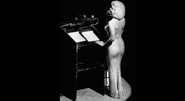 History Trivia Question: How much did Marilyn Monroe's dress (that she wore to sing 'Happy Birthday Mr. President') sell for at auction in 2016?