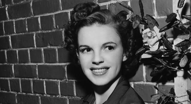 Movies & TV Trivia Question: In which film did Judy Garland sing 'You Made Me Love You'?