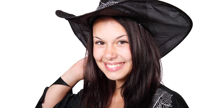 Movies & TV Trivia Question: What was the name of the teenage witch on the Archie Comics show?