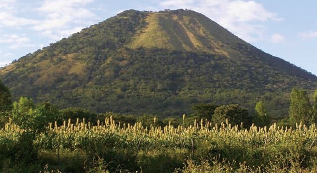Geografía Pregunta Trivia: ¿Cuál de los siguientes volcanes no se encuentra en territorio costarricense?
