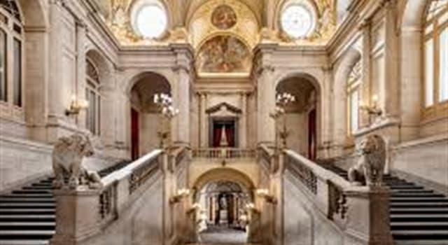 Cultura Pregunta Trivia: ¿Cuál es el palacio real más grande de Europa occidental?