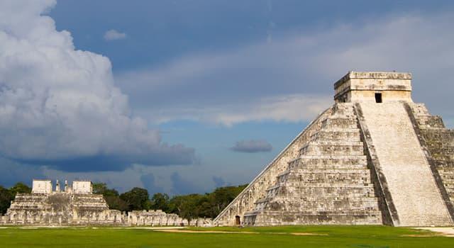 Historia Pregunta Trivia: ¿En qué ciudad mesoamericana se encuentran las edificaciones de la imagen?