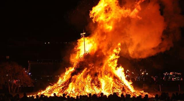 """Historia Pregunta Trivia: ¿Qué se celebra en el Reino Unido todos los 5 de noviembre en la fiesta de """"La noche de las hogueras""""?"""