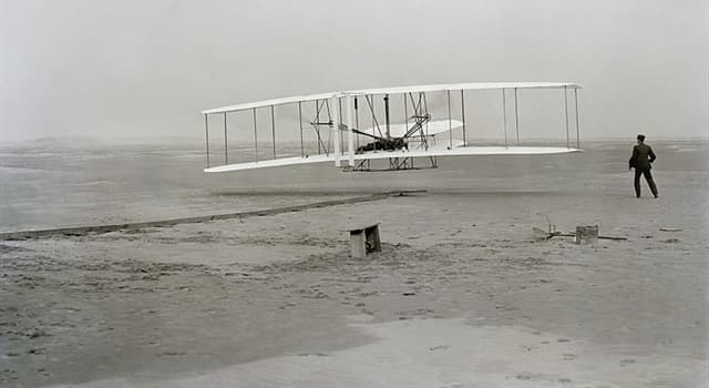 Science Trivia Question: What aircraft holds the world's record for flight endurance (longest non-stop flying)?