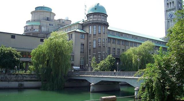 Сiencia Pregunta Trivia: ¿Cuál de los siguientes es considerado el Museo de Ciencias más grande del mundo?