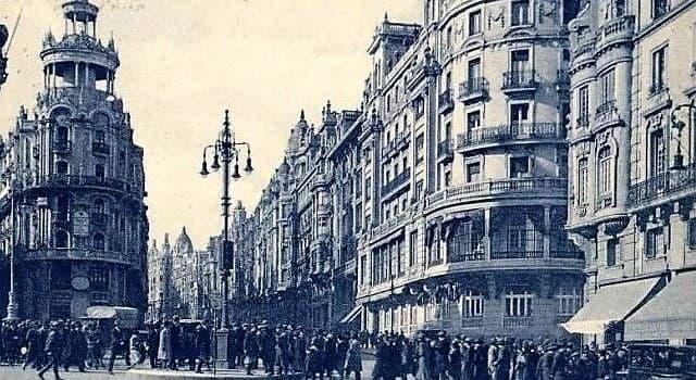 Historia Pregunta Trivia: ¿Cuándo se instaló el primer semáforo?
