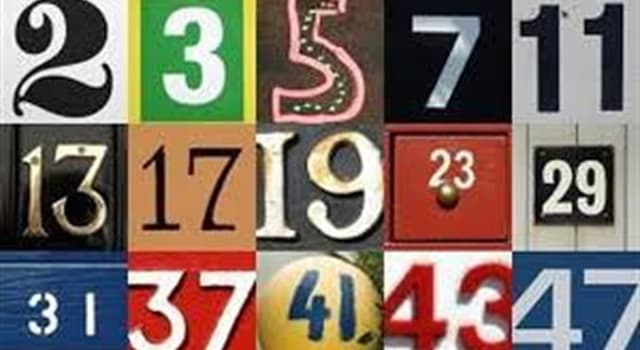 Сiencia Pregunta Trivia: ¿ Cuántas soluciones posibles existen, si me piden hallar tres números primos cuya suma sea igual a 100?