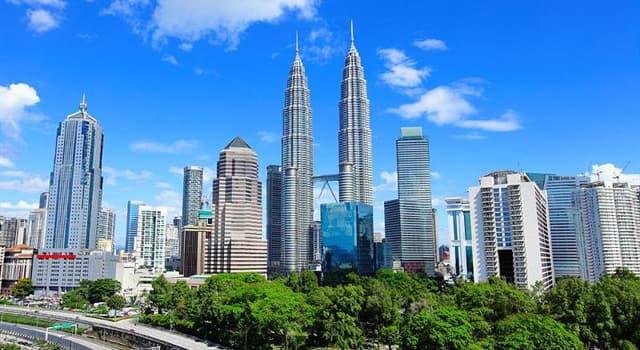 Geografía Pregunta Trivia: ¿En qué ciudad están las torres gemelas Petronas?