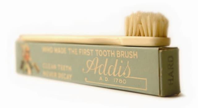 Historia Pregunta Trivia: ¿En qué lugar se fabricó el primer cepillo de dientes que fue comercializado?