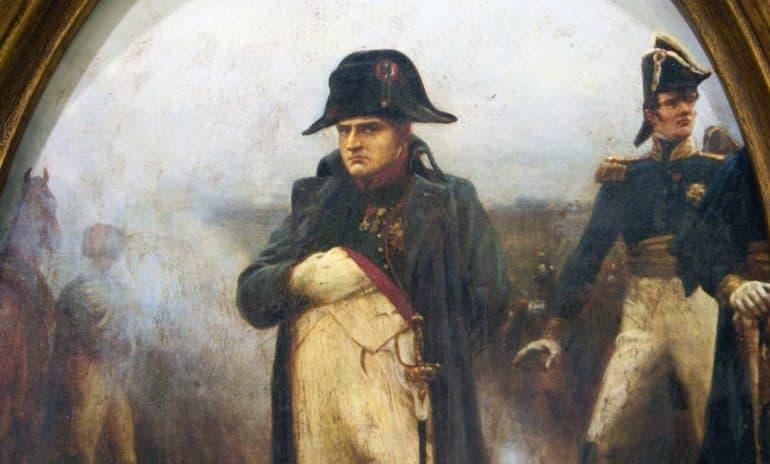 История Вопрос: Какой химический элемент (по одной из гипотез) стал причиной смерти Наполеона?