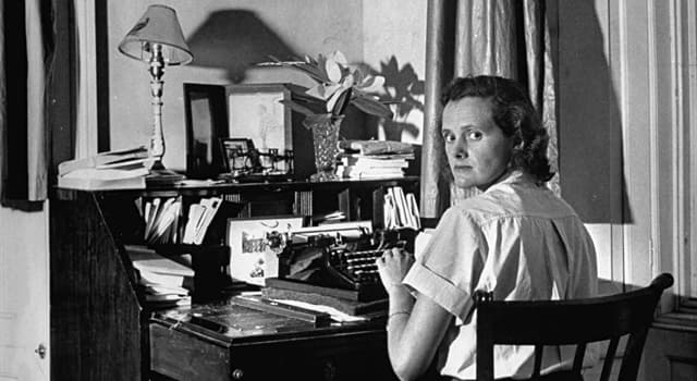 """Culture Trivia Question: """"Last night I dreamt I went to Manderley again,"""" was the first line of what Daphne du Maurier novel?"""