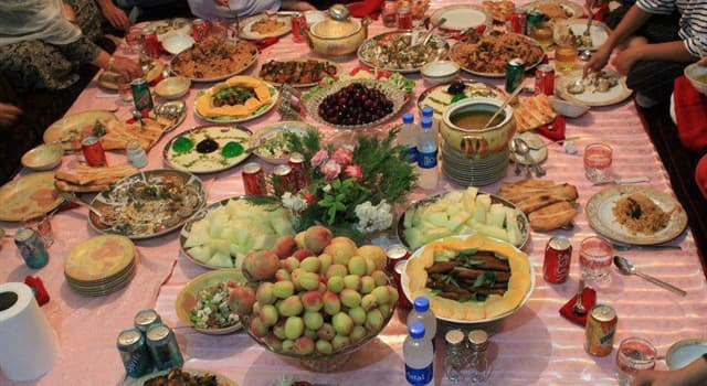 Society Trivia Question: Originating in Afghanistan, what type of food is bolani?