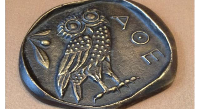 History Trivia Question: Which Greek goddess had an owl as her emblem?