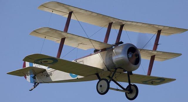 Historia Pregunta Trivia: ¿A quién se le atribuye el primer vuelo a motor?