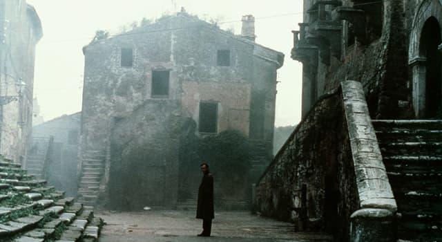 Películas y TV Pregunta Trivia: ¿Cuál de los siguientes directores, dirigió la película Nostalgia, estrenada en 1983?