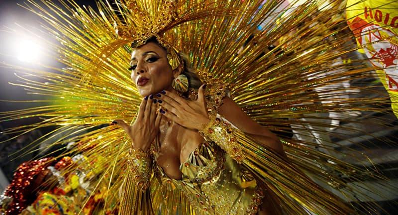 Культура Вопрос: Какой язык в Бразилии является официальным?
