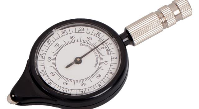 Наука Вопрос: Что измеряет курвиметр?
