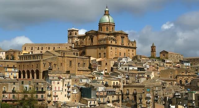 Cultura Pregunta Trivia: ¿Qué provincia italiana es la cuna de los escritores Pirandello, Sciascia y Camilleri?