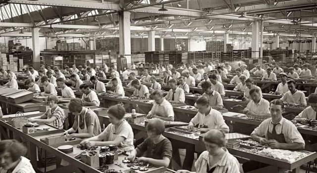 Historia Pregunta Trivia: ¿Quién fue el político inglés que se aplicó con particular empeño en favorecer el desarrollo industrial?