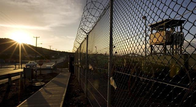 Общество Вопрос: С помощью чего в тюрьмах Бразилии заключенные могут сократить свой срок?