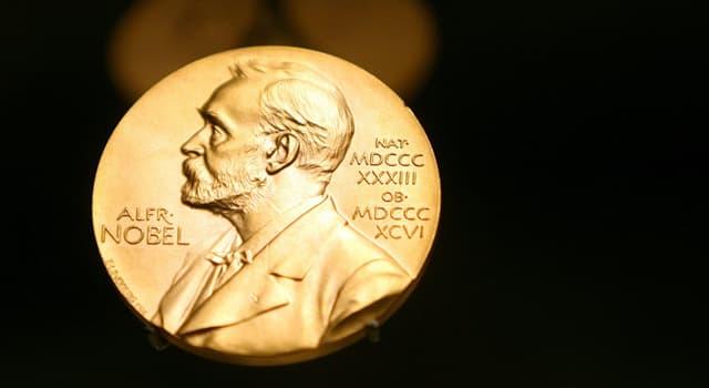 Наука Вопрос: Уинстон Черчилль получил Нобелевскую премию в какой области?
