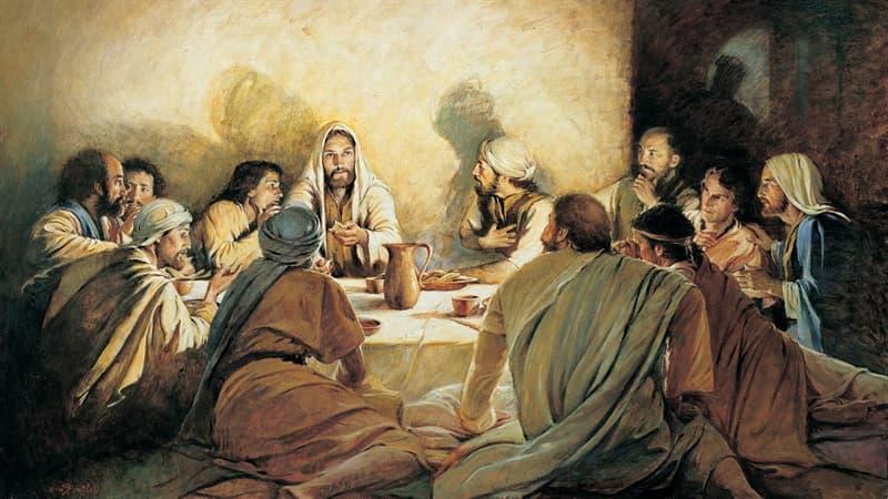 История Вопрос: Все знают, что у Иисуса Христа были ближайшие ученики и первые последователи - апостолы, сколько всего их было?