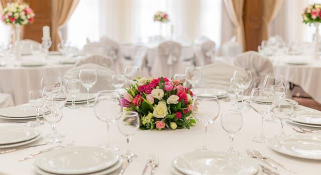 Культура Вопрос: Через сколько лет семейной жизни принято отмечать жемчужную свадьбу?