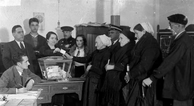Historia Trivia: ¿En qué año se instauró el sufragio universal en España?