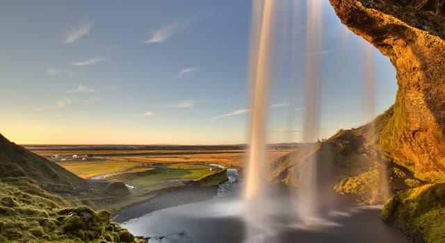 Geographie Wissensfrage: An wie viele Länder grenzt Island?