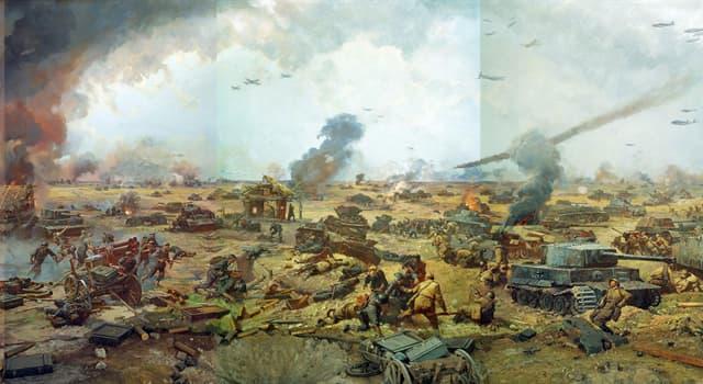 История Вопрос: Сколько стратегических наступательных операций включала в себя Курская битва?