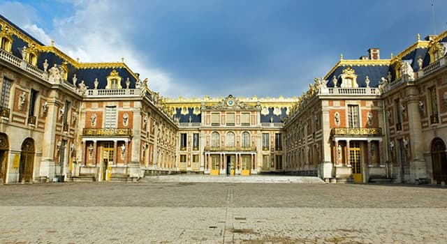 Culture Trivia Question: What style of architecture is the Palace of Versailles?