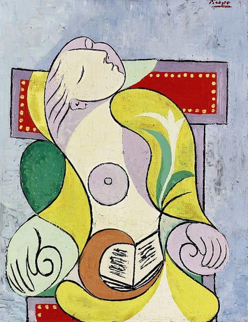 Cultura Pregunta Trivia: ¿Cómo se llama la pintura de Picasso que se observa parcialmente en la figura?