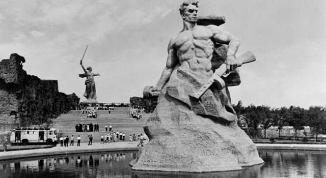Geschichte Wissensfrage: In welchem Zeitraum fand die Schlacht von Stalingrad statt?