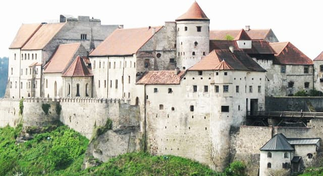 Culture Trivia Question: Which is the longest castle complex in the world?