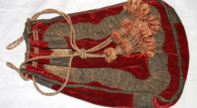 History Trivia Question: Which sailor's widow carried his embalmed head around in a red velvet bag after his death?