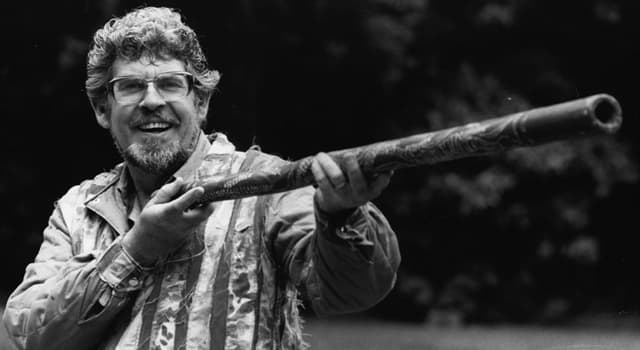 Sport Trivia Question: At what sport was Rolf Harris an Australian junior champion?