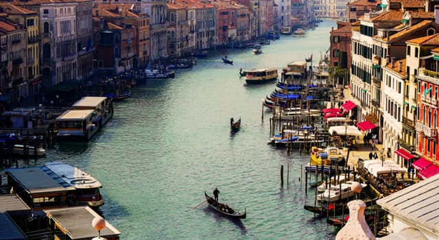 Geography Trivia Question: In which city is the Grand Canal?