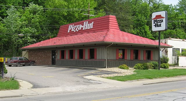 "Culture Trivia Question: Which year was the American restaurant chain ""Pizza Hut"" founded?"