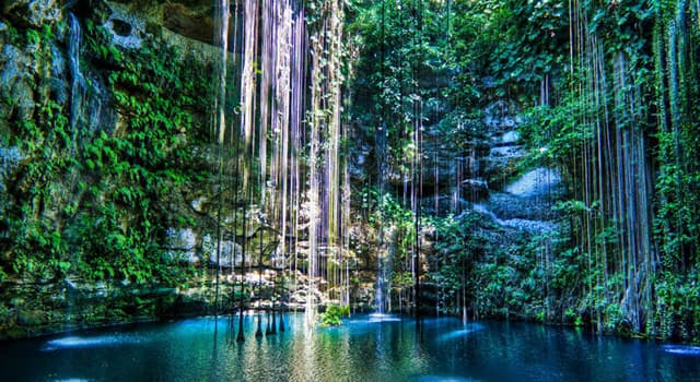 Geography Trivia Question: Where is the cenote Ik Kil located?
