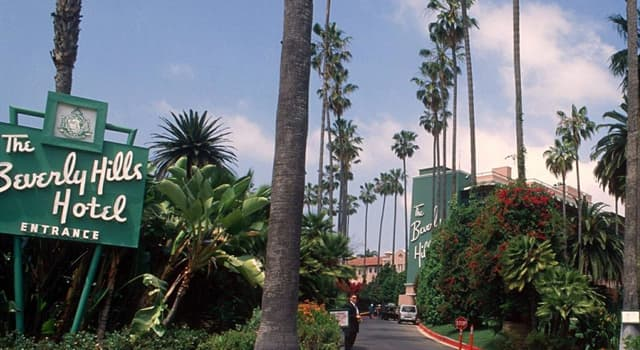 Movies & TV Trivia Question: Which year did 'The Beverly Hills Hotel' open in California?