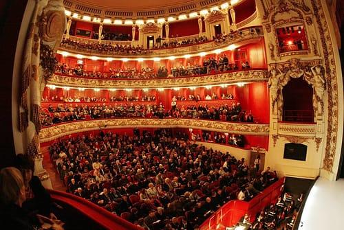 """Cultura Pregunta Trivia: ¿A qué opera corresponde la romanza """"E lucevan le stelle"""" (Y brillaban las estrellas)?"""