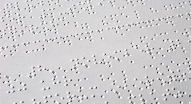 Gesellschaft Wissensfrage: In welcher Sprache wurde Braille zuerst geschrieben?