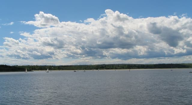 Geography Trivia Question: In which Canadian province is the 'Glenmore Reservoir'?