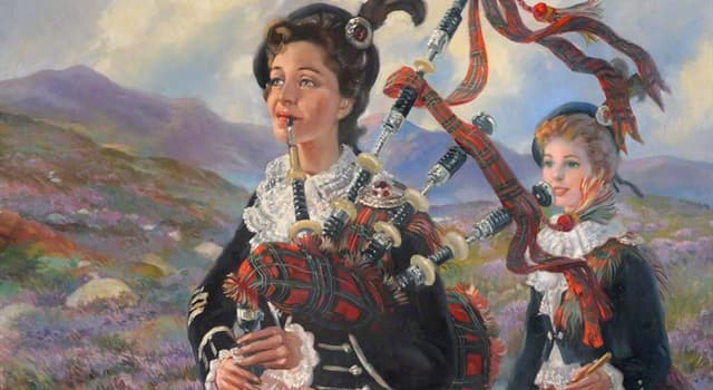 Culture Trivia Question: Peggy Iris was a founding member of the world's first female pipe band from which Essex town?