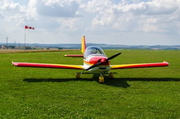 Cultura Pregunta Trivia: ¿Qué aviadora alcanzó una altura record de 19.357 pies en 1933 ?