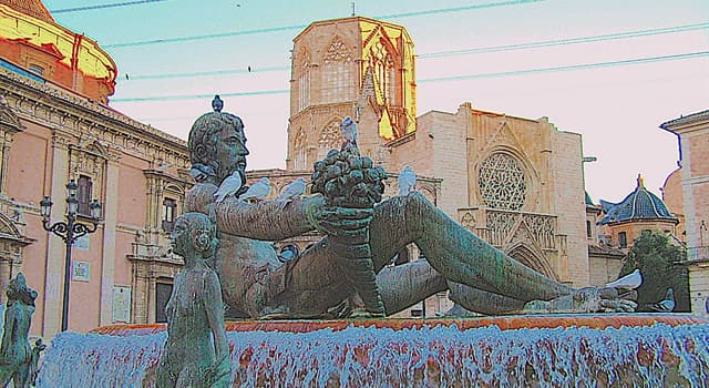 "History Trivia Question: The ""Plaza de la Reina"" (Queen's Square) in Valencia was dedicated to what queen of Spain?"