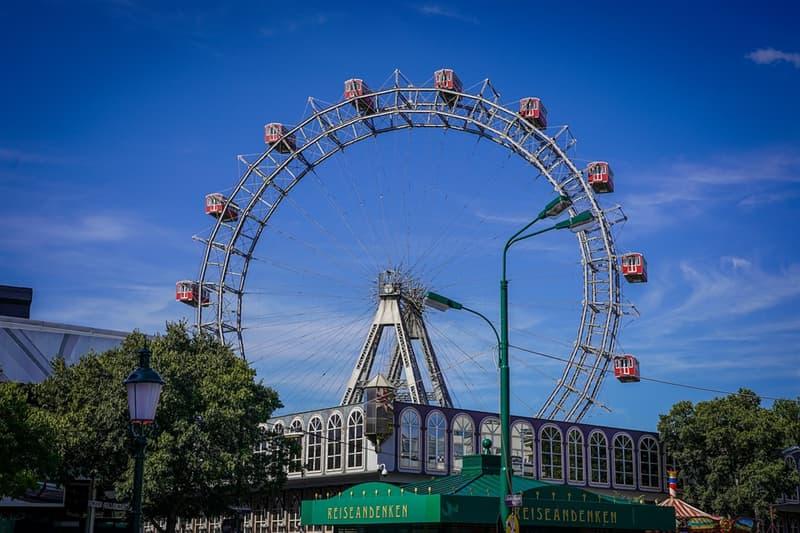 """История Вопрос: В каком году было построено венское колесо обозрения """"Wiener Riesenrad"""", с 1920 по 1985 годы являвшееся самым большим (по высоте) колесом обозрения в мире?"""