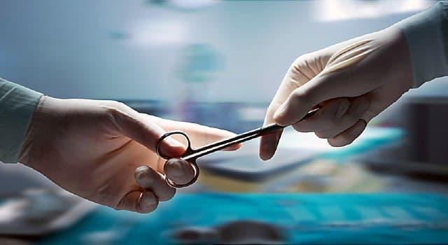 Wissenschaft Wissensfrage: Wer war einer der ersten Chirurgen in Italien, der Hirntumore erfolgreich entfernte?